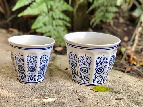 Blue and white outdoor pot (2 sizes)