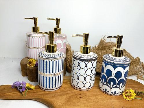 Shampoo dispenser (5 designs)