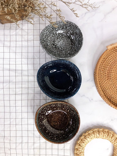 Egg shape bowls ( 3 Colours)