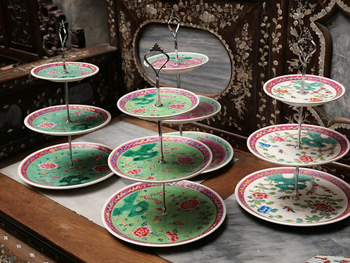 Peranakan 3-tier desserts stand
