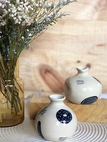 Handpainted mini vase (2 designs)