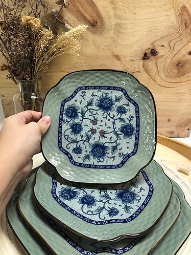 Peony rounded edge plate (4 sizes)