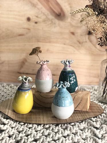 Mini vase with wavy rim (4 colours)