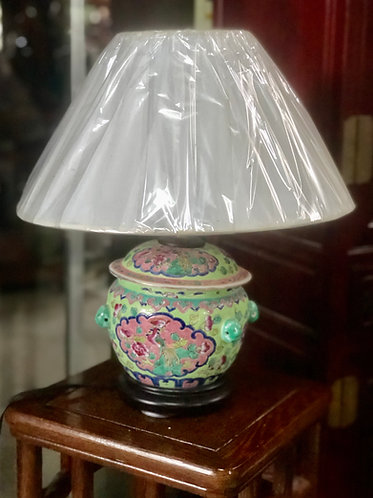 Peranakan small kamcheng lamp (2 colours)