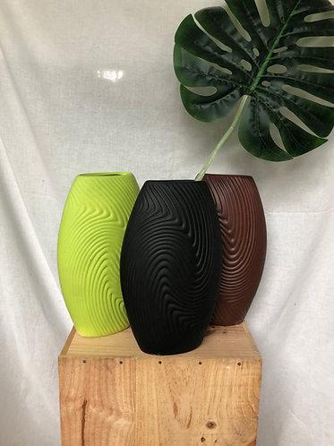 Oval shape carved vase (3 colours)
