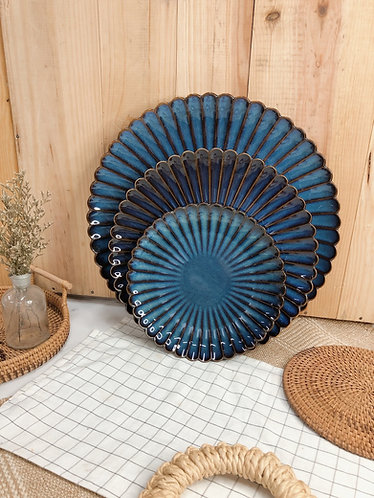 Scallop x blue | plates (3 sizes)