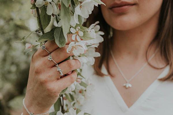 Lucy Flint Jewellery - Rutland Brides.jp