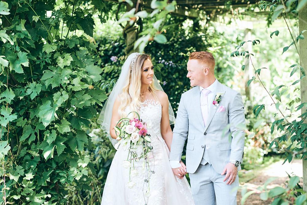 Marianna + Ben | Amanda Forman Photography | Barnsdale Gardens