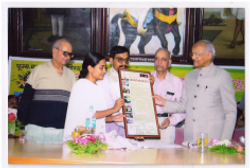 Felicitation at the hands of Mr. B.G. Deshmukh, Ex. Secretary to PM of India,at Snehalay Nagar