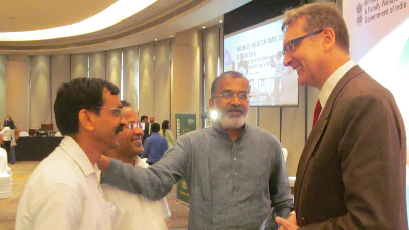 A moment with Mr. Henk Bekedam WHO India cheif & Dr. Abhay Bang during WHO award 2016.