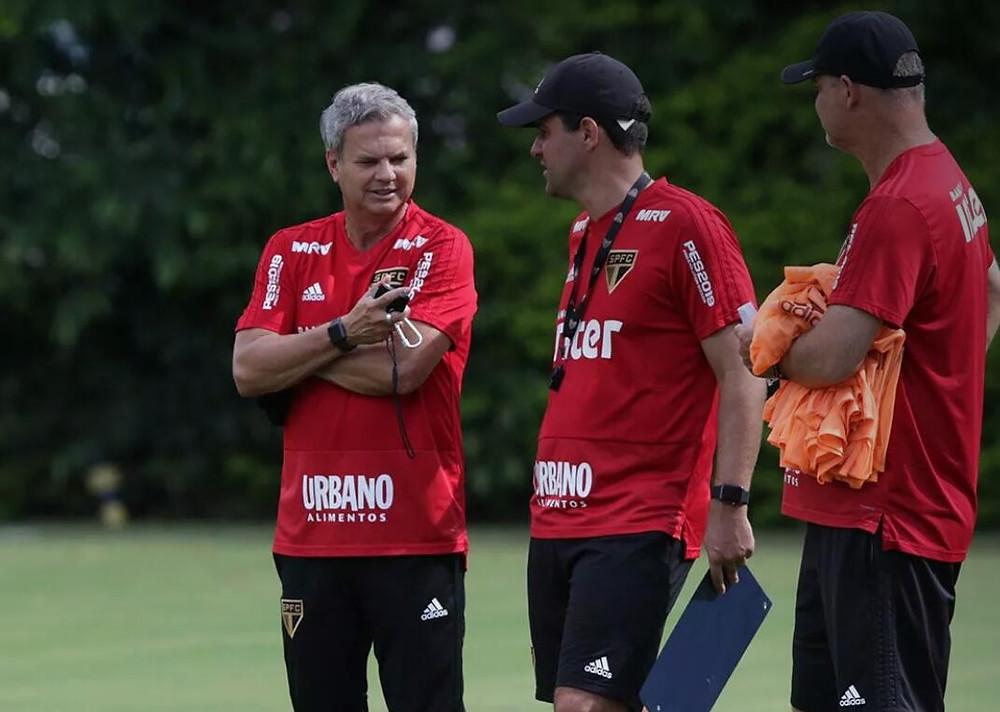 Carlinhos Neves e André Jardine em treino do São Paulo. Foto: Rubens Chiri