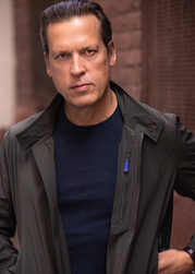 Headshot of Thomas Hildreth - actor, producer, and founder of Sternman Productions and Cure Films