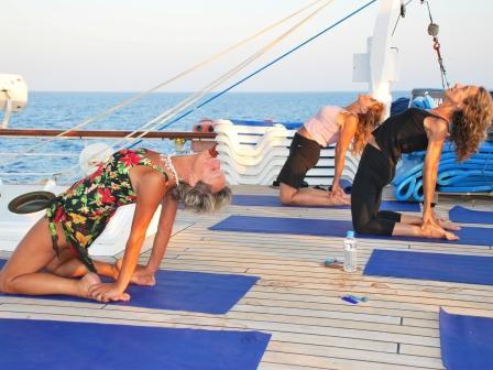 Segelkreuzfahrten mit Yoga