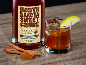North Dakota Sweet Crude cocktail drink recipe, Crude Apple