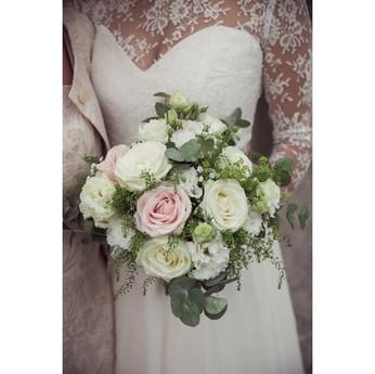 Classic summery bouquet._._._. #florist