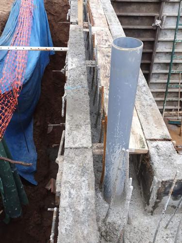 Formigonat del mur de soterrani i ventilacions de la solera