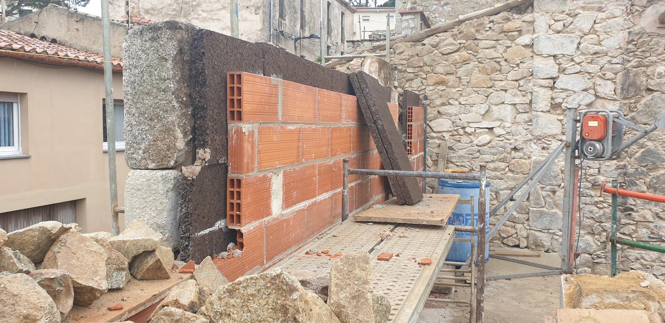 Formació de façana de pedra vista