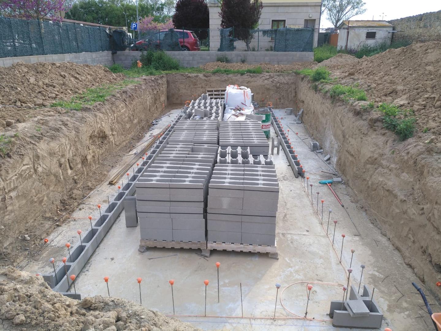 Preparació murs de contenció