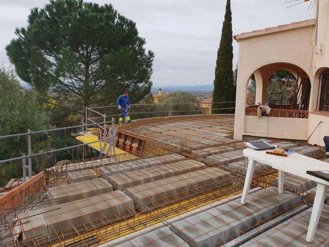 Construcció sostre semisoterrani