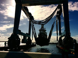 Little tug haul #marinetravelift #jseadivers #jgoodison