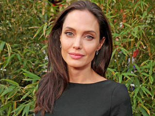 Angelina Jolie Credits Acupuncture for Treating Her Bell's Palsy
