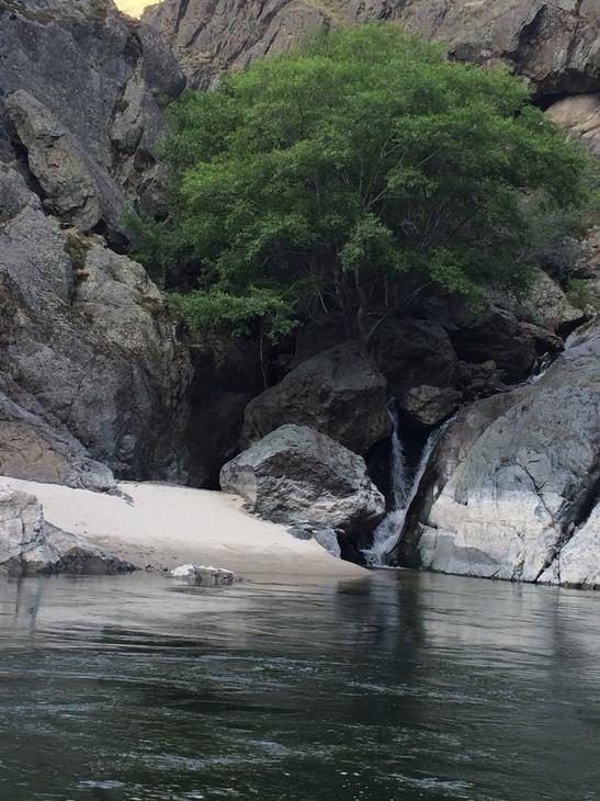 salmonriver-waterfall-richie.jpg