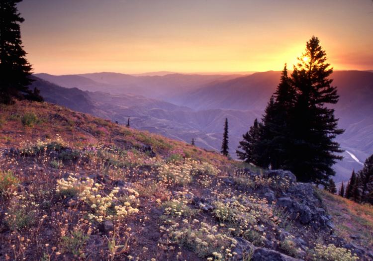Sunrise over Hells Canyon