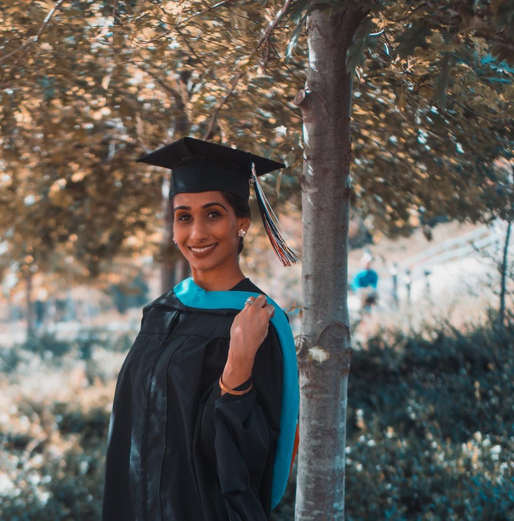 Resume Writing For Freshers / Fresh Graduates