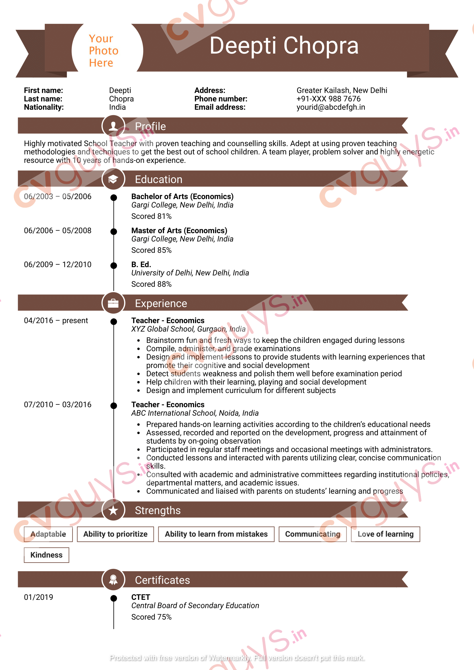 Experienced Teacher Resume Example by CVGUYS.IN
