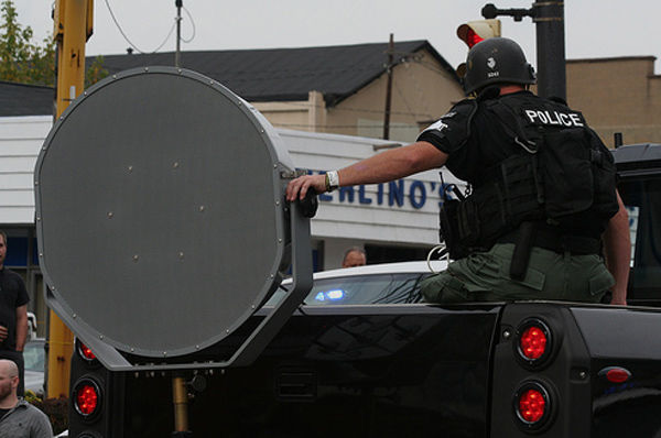 Police sonic crowd control device