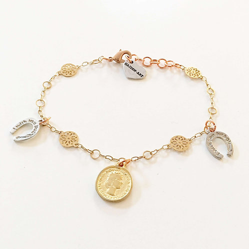 Coin and Horseshoes Sparkle Bracelet in 18kt Gold Plated.