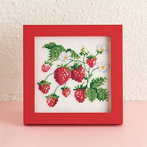 Cross Stitch Mini Frame <Strawberry>