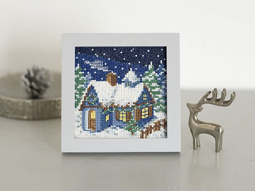 Cross Stitch Mini Frame <Snowing House>