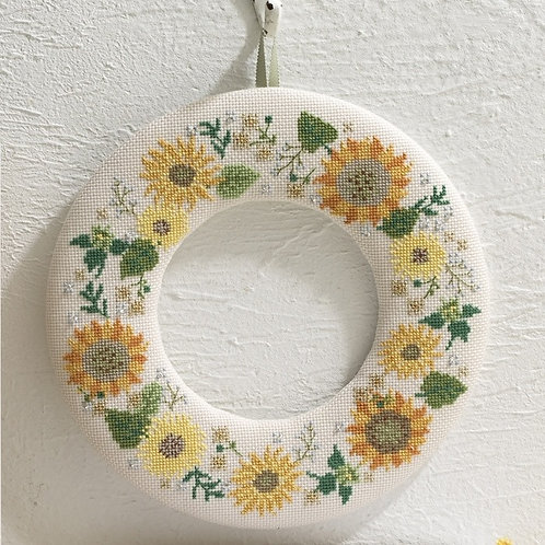 Cross Stitch Wreath <Sunflower>