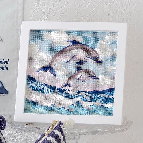 平野明子 Cross Stitch Frame <Dolphin>