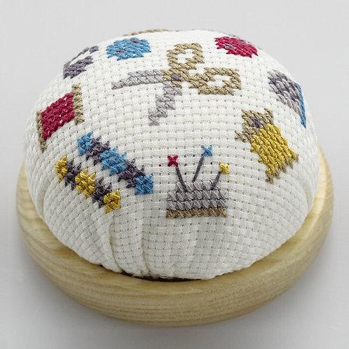 Cross Stitch Pin Cushion <Atelier>