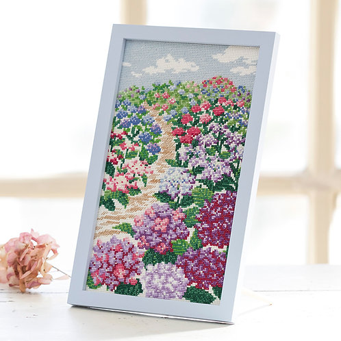 Cross Stitch Frame <Hydrangea Hill>