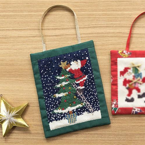 Cross Stitch Greeting Card <Santa and Tree>