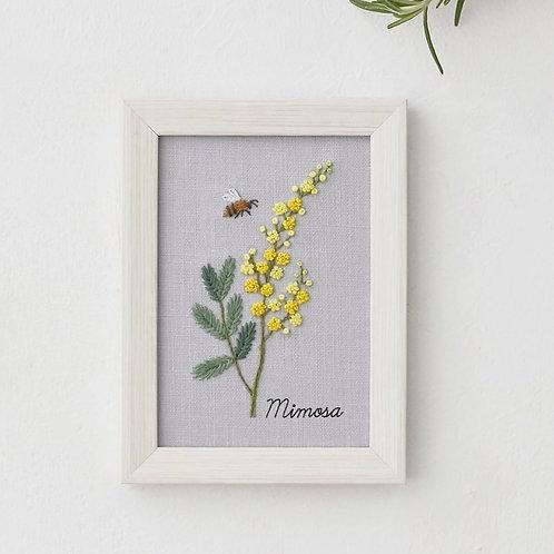 青木和子12ヶ月植物 Mimosa Embroidery Kit