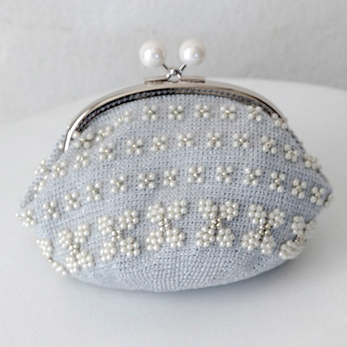 White Flower Beads Pouch (Material Set)