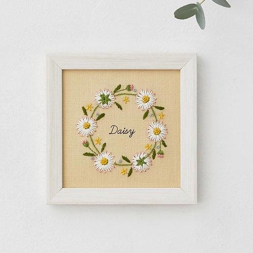 青木和子12ヶ月植物 Daisy Embroidery Kit