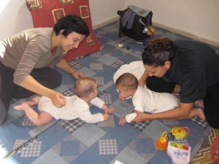 אימהות ותינוקות 19