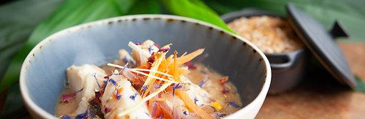 Cassolette de poisson au lait de coco et sa gambas poêlée