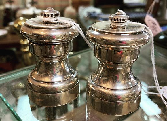 Sterling salt shaker + pepper grinder. 2 Sets.
