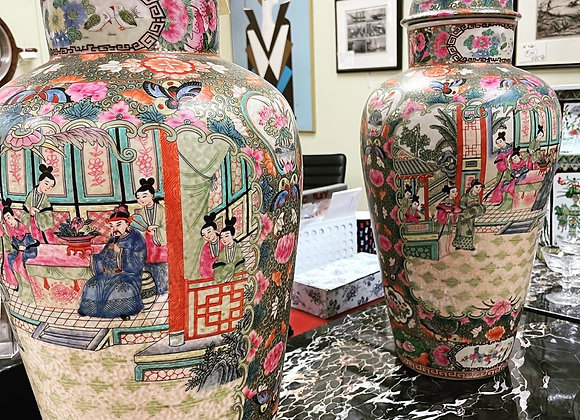 Tall urns ( no covers)