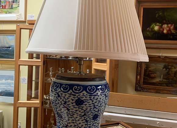 Blue and white ginger jar lamp. Shade.