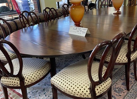 12 Dessin Fournir chairs. Set.