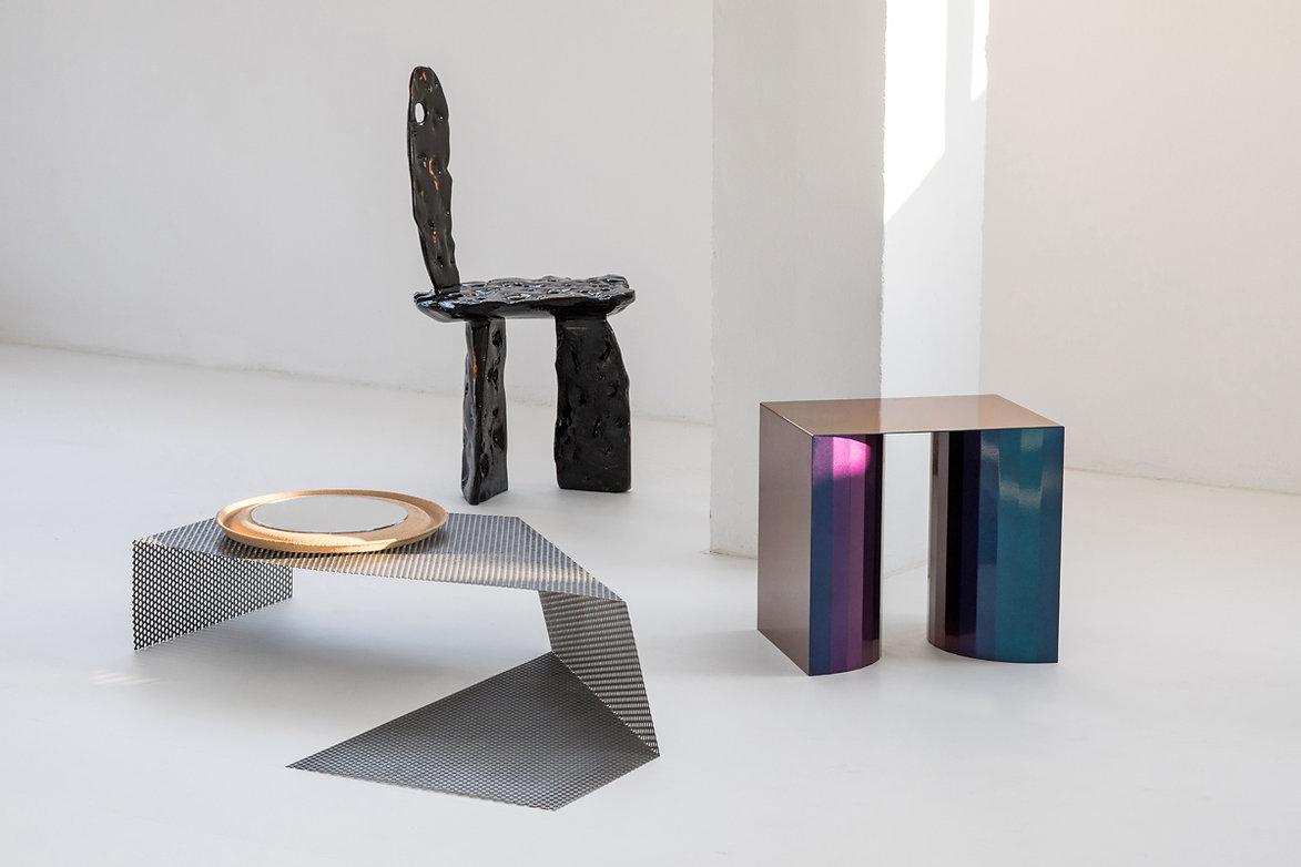Moiré table by Max Enrich, Rastro mirror by Proyecto Rastro, Labi chair by Alberto Vitelio, Cétoine stool by Alejandra Perini &Kiwi Bravo