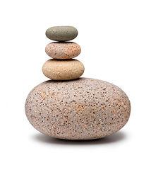 les-pierres-ont-empilé-la-base-de-pierre
