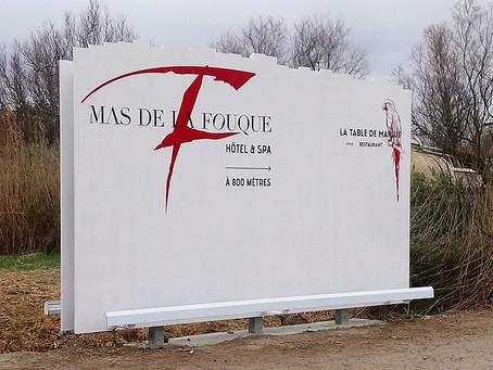Signalétique palissade en bois > DP News : Mas de La Fouque